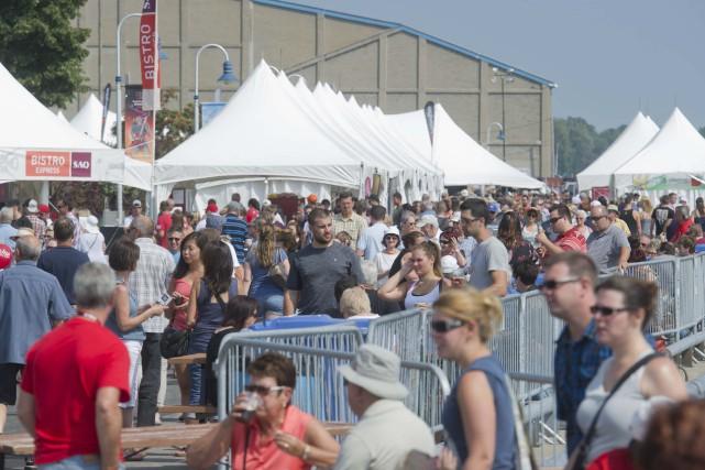 Il y avait foule, dimanche, au port de... (Photo: Andréanne Lemire)