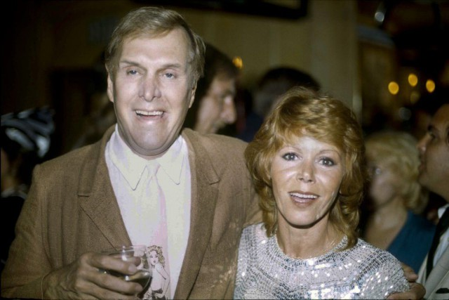 Alan Sues et Judy Carne de l'émission Rowan... (PHOTO ARCHIVES AP)
