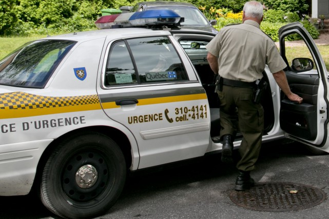 Les policiers de la SQ ont procédé à l'arrestation de trois individus suspectés... (Archives La Presse)
