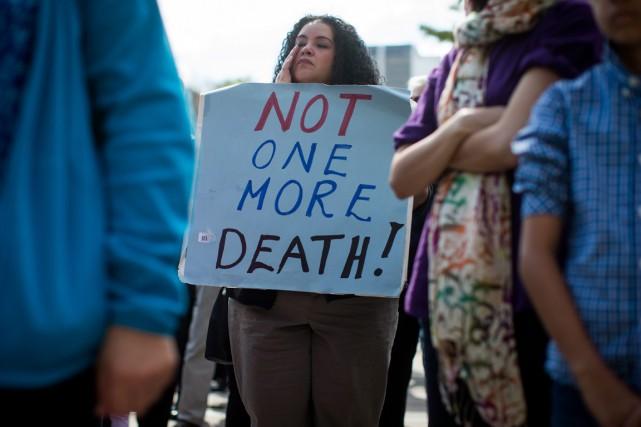 Une participante à un rassemblement à Vancouver pour... (Photo AP)