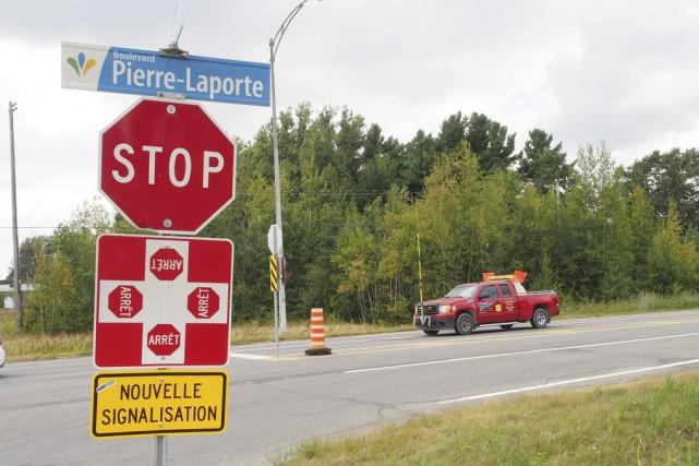 Pour ajouter à la sécurité de l'intersection, la... (photo Alain Dion)