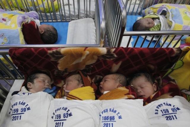 Quelque 16 000 enfants de moins de cinq... (PHOTO REUTERS)
