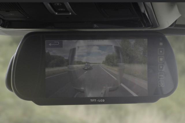Land Rover travaille sur un système rendant les remorques à toutes fins utiles... (PHOTO FOURNIE PAR JAGUAR LAND ROVER)