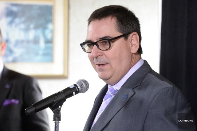 Le commissaire Gilles Courteau de la LHJMQ... (Photo Imacom, Maxime Picard)