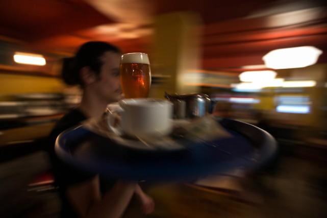 Les francophones de Montréal boivent en moyenne 3,8... (PHOTO HUGO-SÉBASTIEN AUBERT, ARCHIVES LA PRESSE)