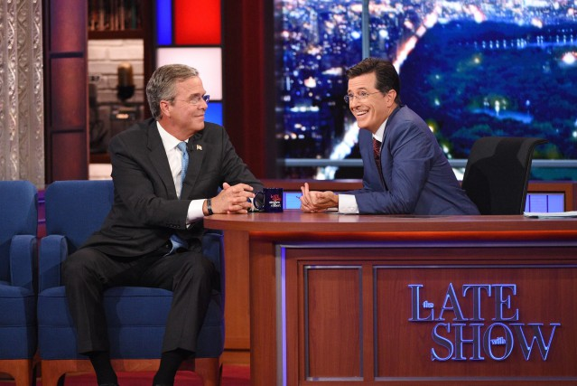 Le nouvel animateur du Late Show, Stephen Colbert... (PHOTO JEFFREY R. STAAB, ASSOCIATED PRESS)