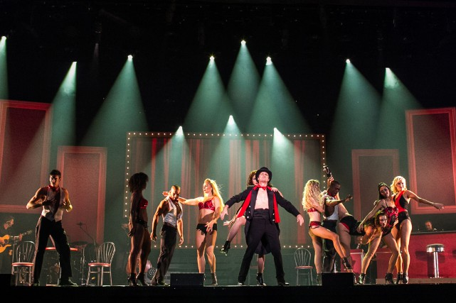 La revue Cabaret burlesque inaugurait hier la programmation... (PHOTO HUGO-SÉBASTIEN AUBERT, ARCHIVES LA PRESSE)