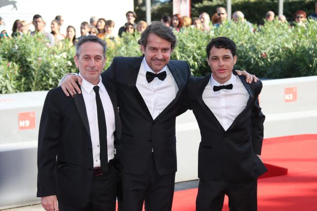 De gauche à droite, l'acteur Alfredo Castro, le... (PHOTO JOEL RYAN, INVISION/AP)