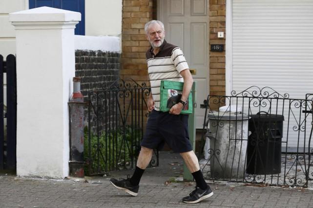 Le politicien Jeremy Corbyn, foncièrement à gauche, pourrait... (PHOTO STEFAN WERMUTH, REUTERS)