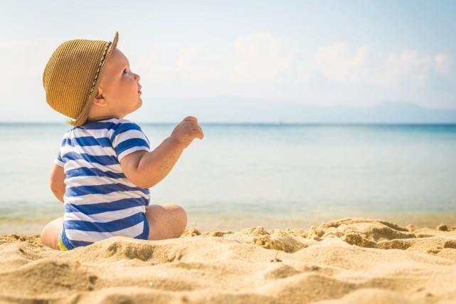 Pour voyager avec son nouveau-né, on recommande d'opter... (PHOTO THINKSTOCK)