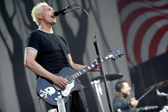 Le guitariste et le batteur du groupe Die... (PHOTO LASZLO BELICZAY, AP/MTI)