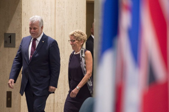 Les conseils des ministres québécois et ontarien sont... (Jacques Boissinot, La Presse Canadienne)