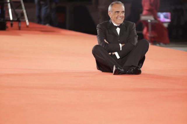 Le directeur artistique Alberto Barbera sur le tapis... (PHOTO AP)