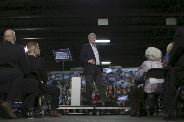 Stephen Harper a terminé sa journée dans un... (Chris Wattie, Reuters)