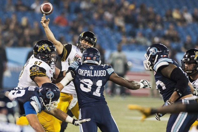 Zach Collaros a lancé deux passes de touché.... (Photo Aaron Vincent Elkaim, PC)