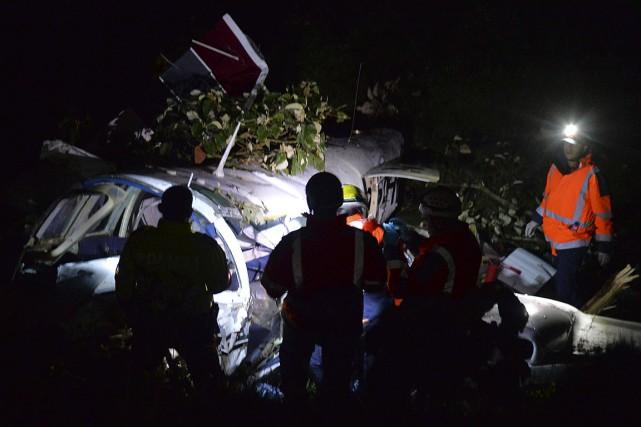 Le bimoteur s'est écrasé à San Pedro de... (PHOTO RAUL ARBOLEDA, AFP)