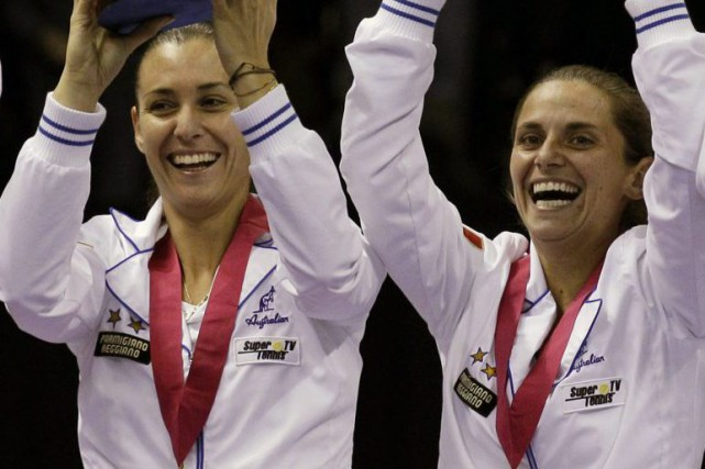 Flavia Pennetta et Roberta Vinci... (PHOTO GREGORY BULL, ARCHIVES AP)