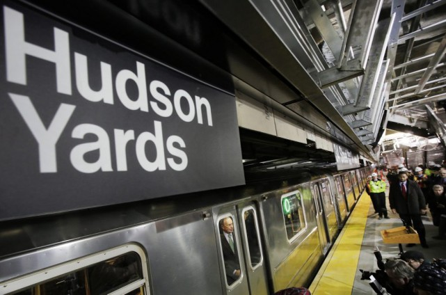 La station Hudson Yards, située à l'intersection de... (Photo Mark Lennihan, archives AP)