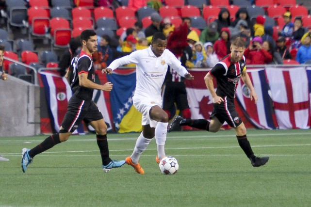Huit points séparent encore le Fury (9-9-4) des... (Martin Roy, LeDroit)