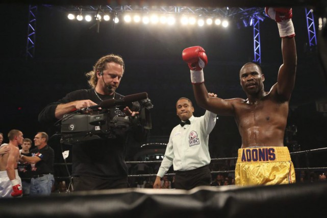 Adonis Stevenson a vaincu Tommy Karpency, vendredi.... (Photo Peter Power, PC)