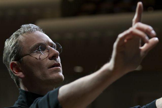 Michael Fassbender dans une scène du filmSteve Jobs.... (Photo fournie par Universal Pictures)