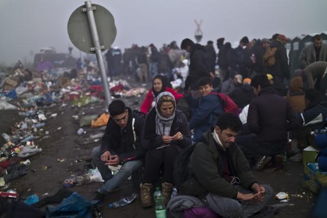 Partout, on remarque la fragilité des frontières et... (PHOTO AP)