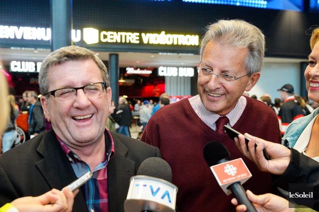 Le maire de Saguenay, Jean Tremblay (à droite),... (Le Soleil, Caroline Grégoire)