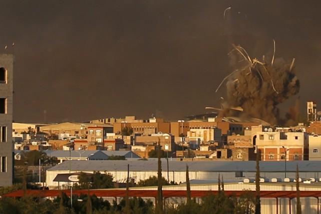 Plusieurs mois de bombardements aériens de la coalition... (PHOTO AP)