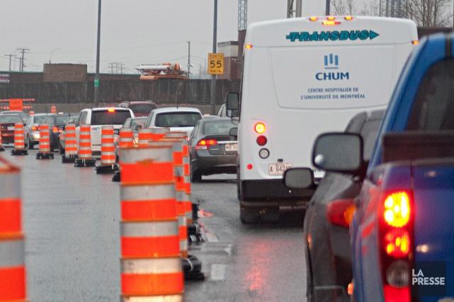 Un tronçon de l'autoroute 15 sera complètement fermé à la circulation au cours... (Photo David Boily, archives La Presse)