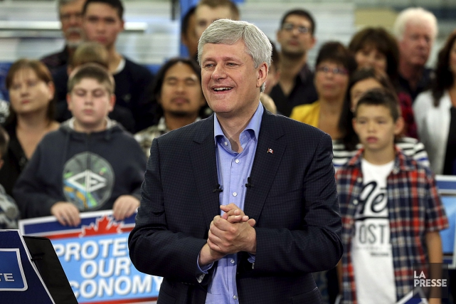 Le chef conservateur Stephen Harper a entamé sa... (Photo Chris Wattie, Reuters)