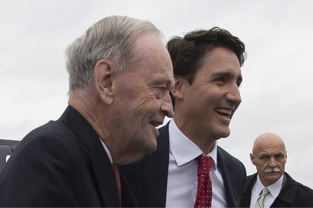L'ancien premier ministre Jean Chrétien faisait campagne aux... (Photo: La Presse Canadienne)