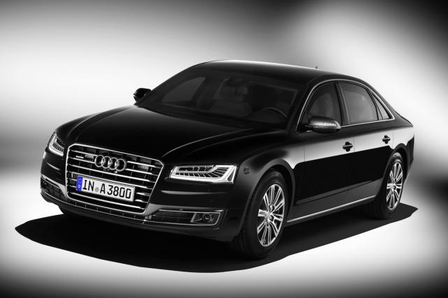 L'Audi A8 L Security peut résister aux tirs... (Photo fournie par Audi)