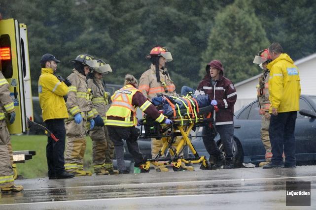 Les policiers, ambulanciers et pompiers de Saguenay sont... ((Photo Le Quotidien, Jeannot Lévesque))