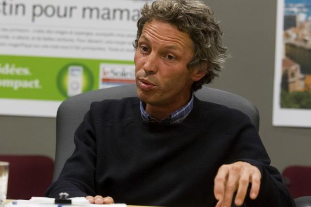Le candidat du Bloc québécois Charles Mordret... (Le Soleil, Caroline Grégoire)