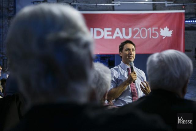 Une foule partisane a bien accueilli les promesses... (PHOTO MARTIN TREMBLAY, LA PRESSE)