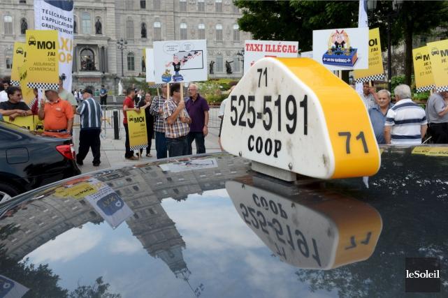 Mercredi, des chauffeurs de taxi de Québec manifesteront... (Le Soleil, Erick Labbé)