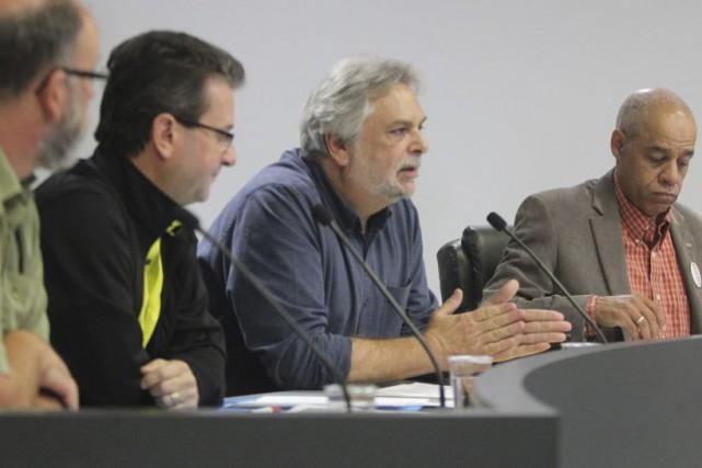 Sylvain Gendron,président régional du SFPQ;Dino Lemay, conseiller régional...