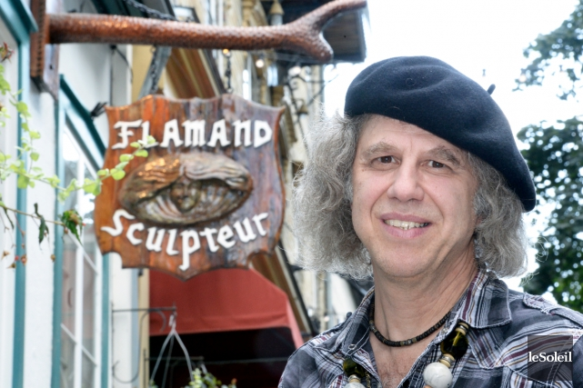 Alain Flamand a déménagé son atelier-boutique Sculpteur Flamand... (Photo Le Soleil, Jean-Marie Villeneuve)