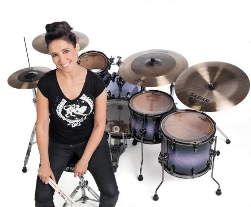 Emmanuelle Caplette joue de la batterie. Une passion... (photo Janick Marois)