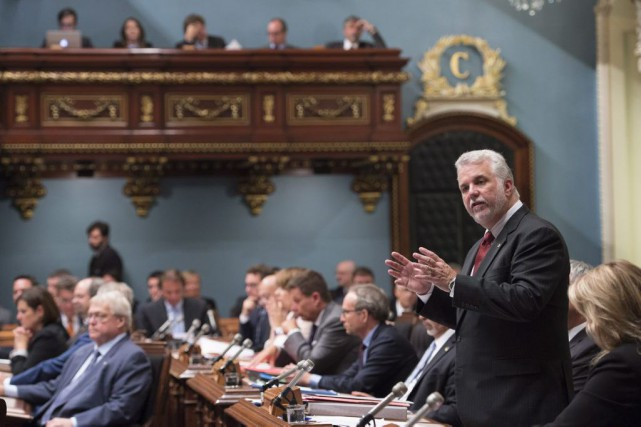 M. Couillard a assuré que son gouvernement déposera... (Photo La Presse Canadienne)