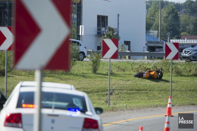 Un motocycliste a perdu la vie mardi à... (Stéphane Lessard)