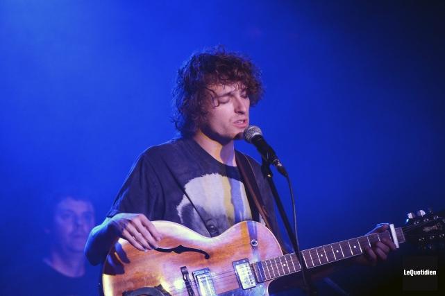 Philippe Brach a lancé son nouvel album, hier,... ((Photo Le Quotidien, Jeannot Lévesque))
