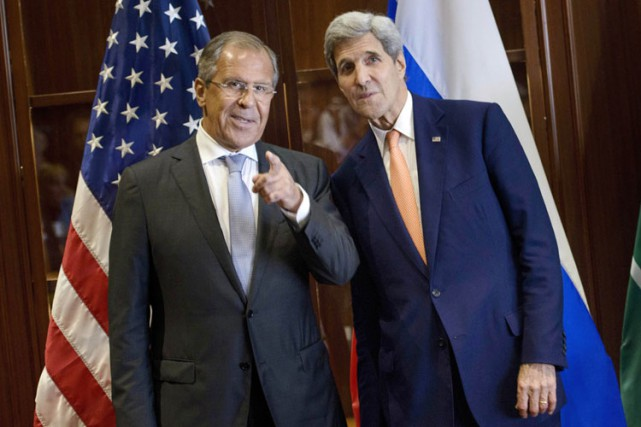 Sergueï Lavrov etJohn Kerry le 3 août dernier... (PHOTO AFP)