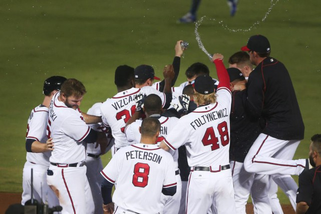Andrelton Simmons a donné la victoire aux Braves avec un simple d'un point en... (PHOTO AP)