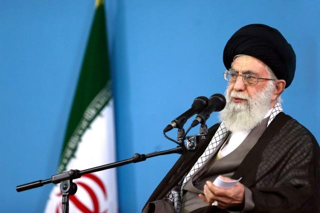 L'ayatollah Khamenei, âgé de 76 ans et qui... (PHOTO AP/BUREAU DU GUIDE SUPRÊME IRANIEN)