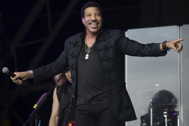 Lionel Richie lors d'un spectacle au festival de... (PHOTO ARCHIVES AP)