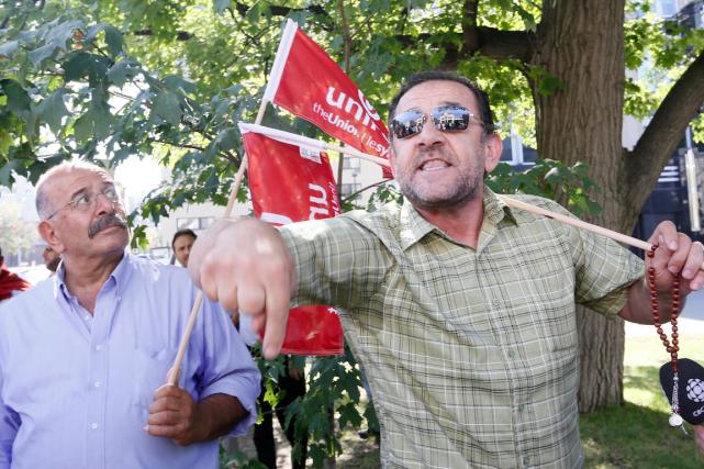 Moussa Fawaz, un des chauffeurs de taxi d'Ottawa... (Simon Séguin-Bertrand, LeDroit)