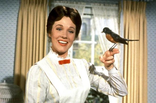 Julie Andrews dans une scène de Mary Poppins....
