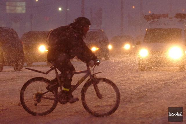 Un cycliste dans le documentaireL'hiver à vélo, portraits... (photothèque le soleil, Jean-Marie Villeneuve)