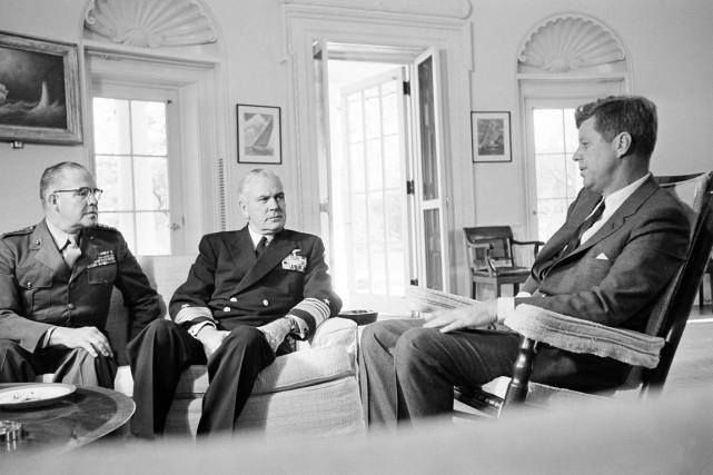 Les quelque 2500 mémos des présidents Kennedy et... (Photo archives AP)